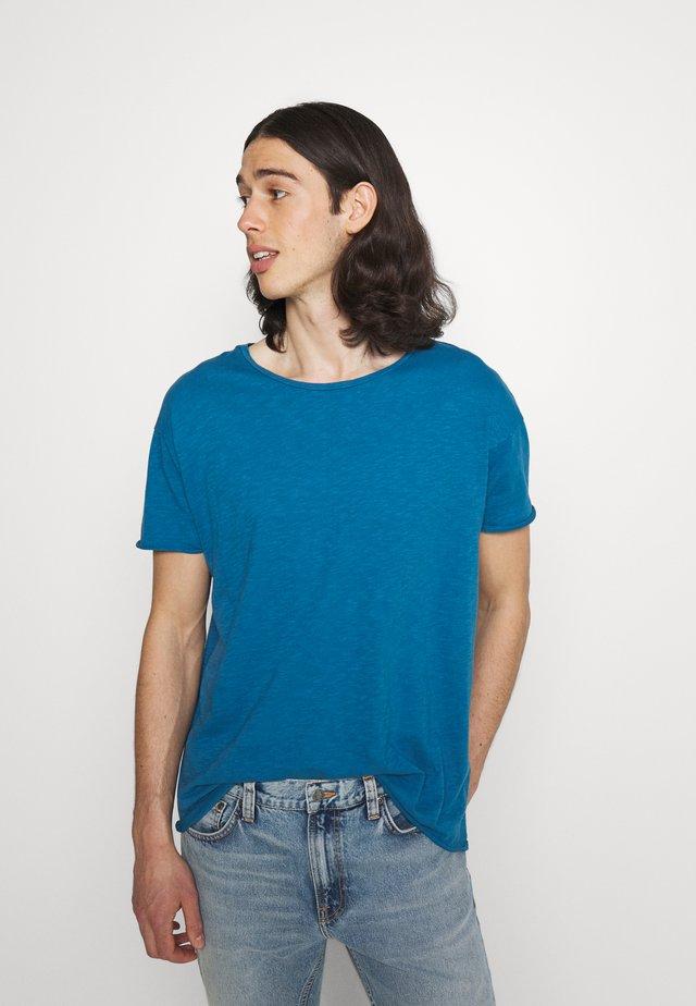 ROGER - Basic T-shirt - sky blue