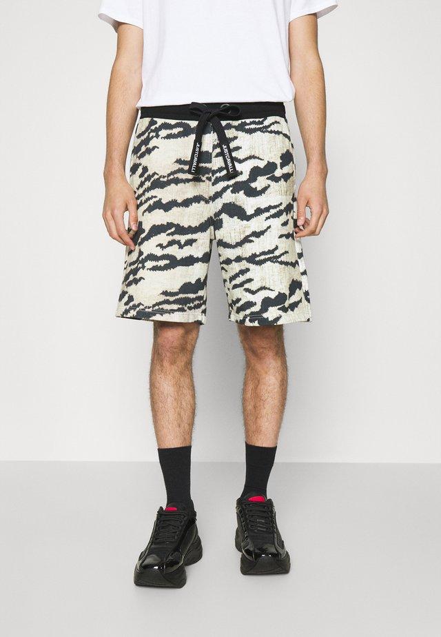 Shorts - grey variant