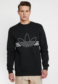 adidas Originals - OUTLINE PULLOVER - Collegepaita - black - 0