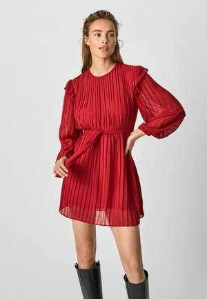 Vestido informal - winter red