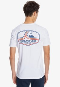 Quiksilver - HIGHWAY VAGABOND - T-shirt imprimé - white - 2