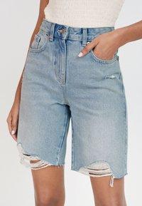 Next - BERMUDA - Shorts di jeans - bleached denim - 0