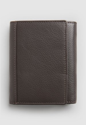 BLACK SIGNATURE ITALIAN LEATHER EXTRA CAPACITY TRIFOLD WALLET - Wallet - brown