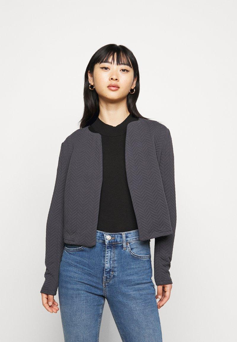 Vero Moda Petite - VMNIHAN STRUCTURE - Blazer - ombre blue