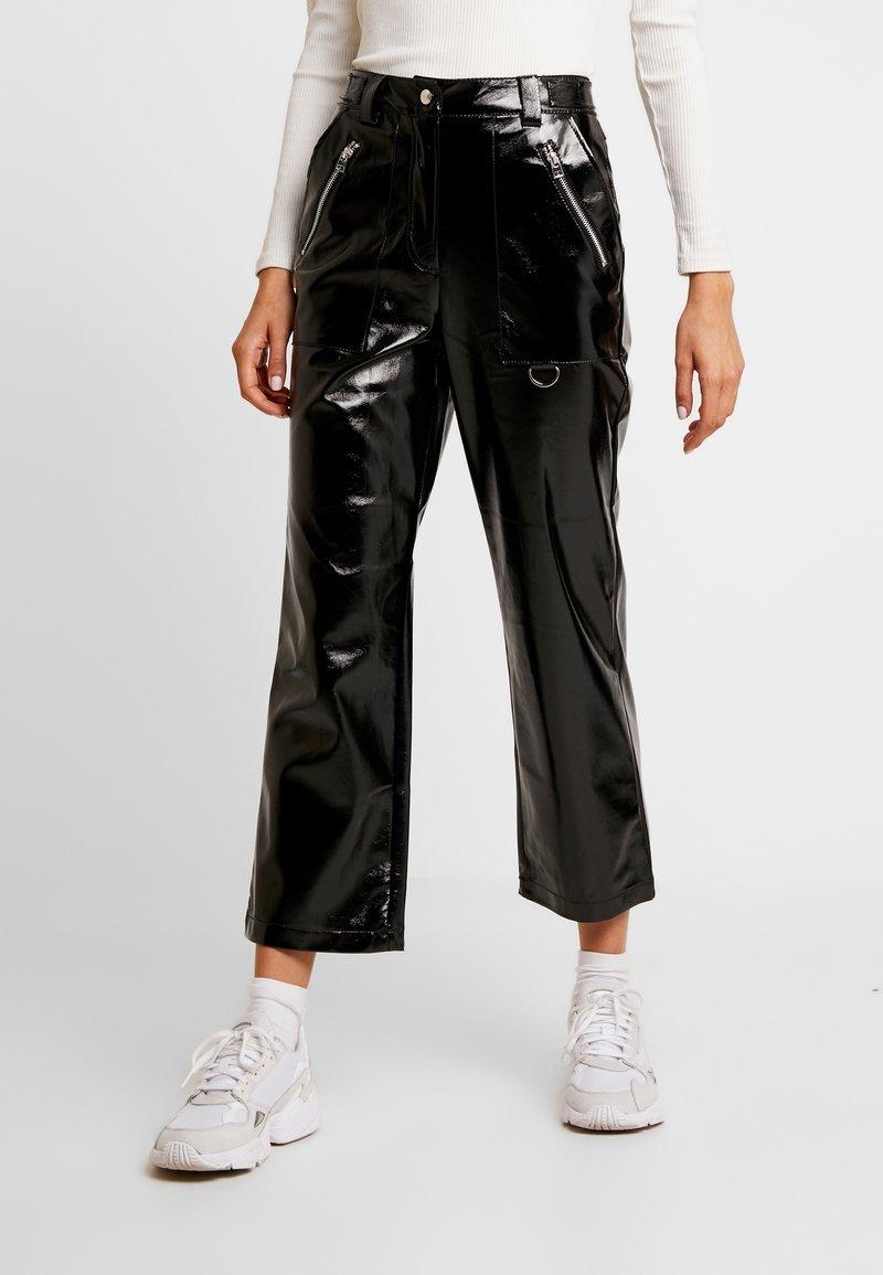 Topshop - STRAIGHT LEG - Stoffhose - black