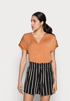 RINDA - T-shirt basic - honey