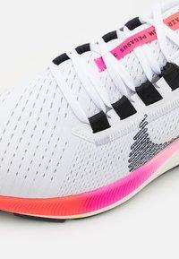 Nike Performance - AIR ZOOM PEGASUS 38  - Neutrala löparskor - white/black/football grey/pink blast/bright crimson - 5