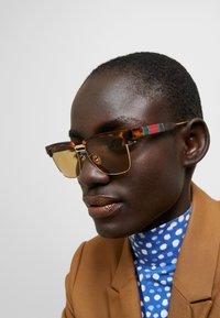 Gucci - Occhiali da sole - havana/brown - 2