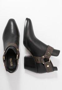 MICHAEL Michael Kors - PAMELA - Ankle boots - black/brown - 3
