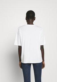 Filippa K - CLARA TEE - Jednoduché triko - white - 2