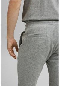 Esprit - Shorts - medium grey - 4
