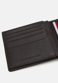 Tommy Hilfiger - FLAP AND COIN - Wallet - brown - 3