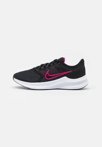 DOWNSHIFTER 11 - Zapatillas de running neutras - black/fireberry/dark smoke grey/white