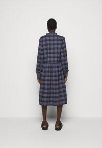 Libertine-Libertine - ALLEY DRESS - Denní šaty - royal blue check - 2