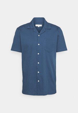 STACHIO SHIRT TEXTURED STRIPE - Vapaa-ajan kauluspaita - ensign blue