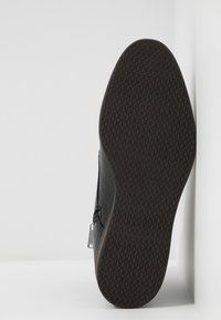 BOSS - ORACLE - Šněrovací kotníkové boty - black - 4