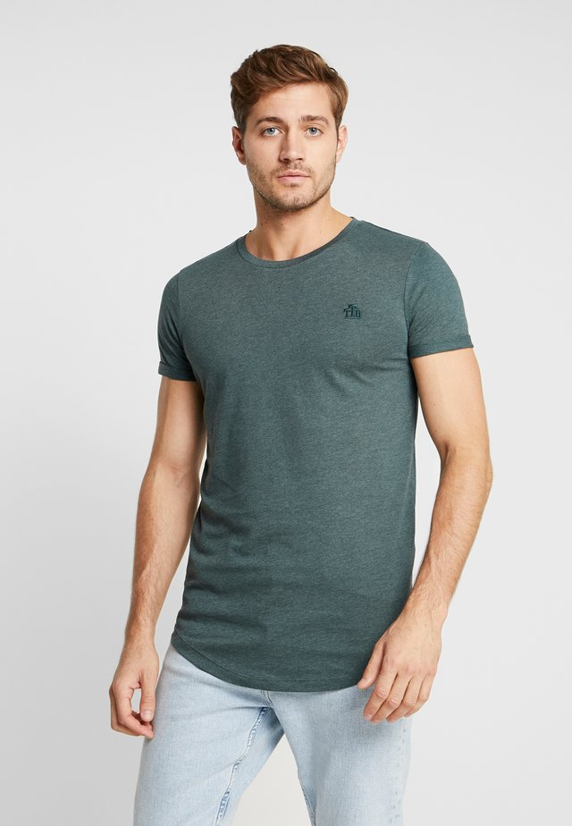 LONG BASIC WITH LOGO - T-shirt basic - dark gable green melange