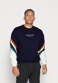 Kaotiko - UNISEX - Sweatshirt - sud cap walker - 0