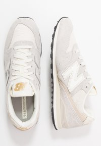 New Balance - WL996 - Matalavartiset tennarit - white - 3