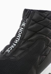 The North Face - W THERMOBALL PROGRESSIVE ZIP - Winter boots - tnf black/tnf white - 5
