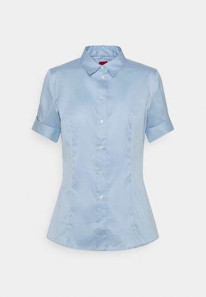 ESHILA - Košile - light pastel blue