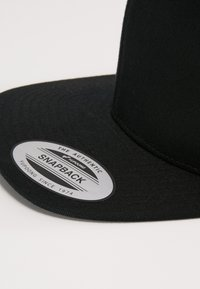 Flexfit - SNAPBACK - Cap - black - 5