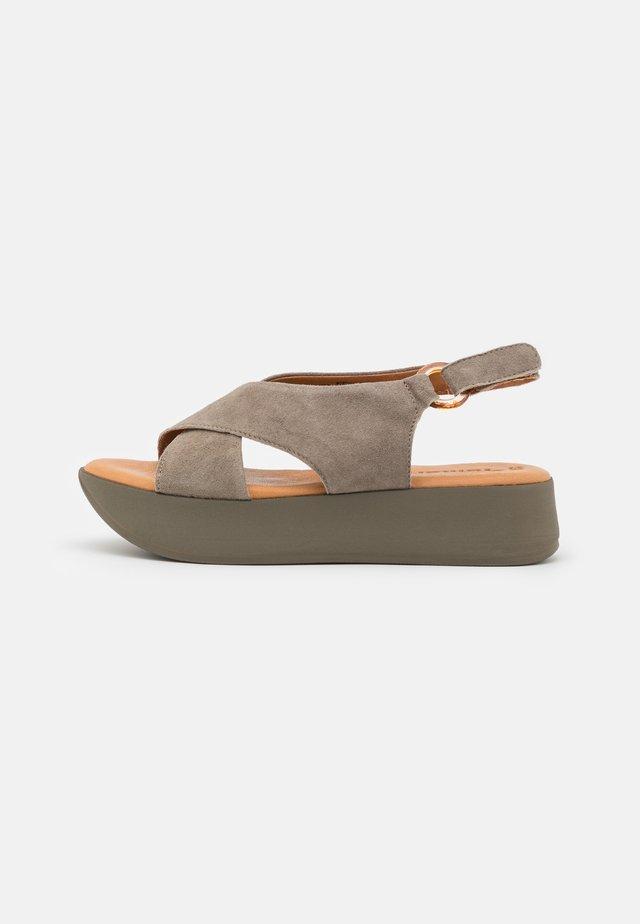 Sandalen met plateauzool - olive