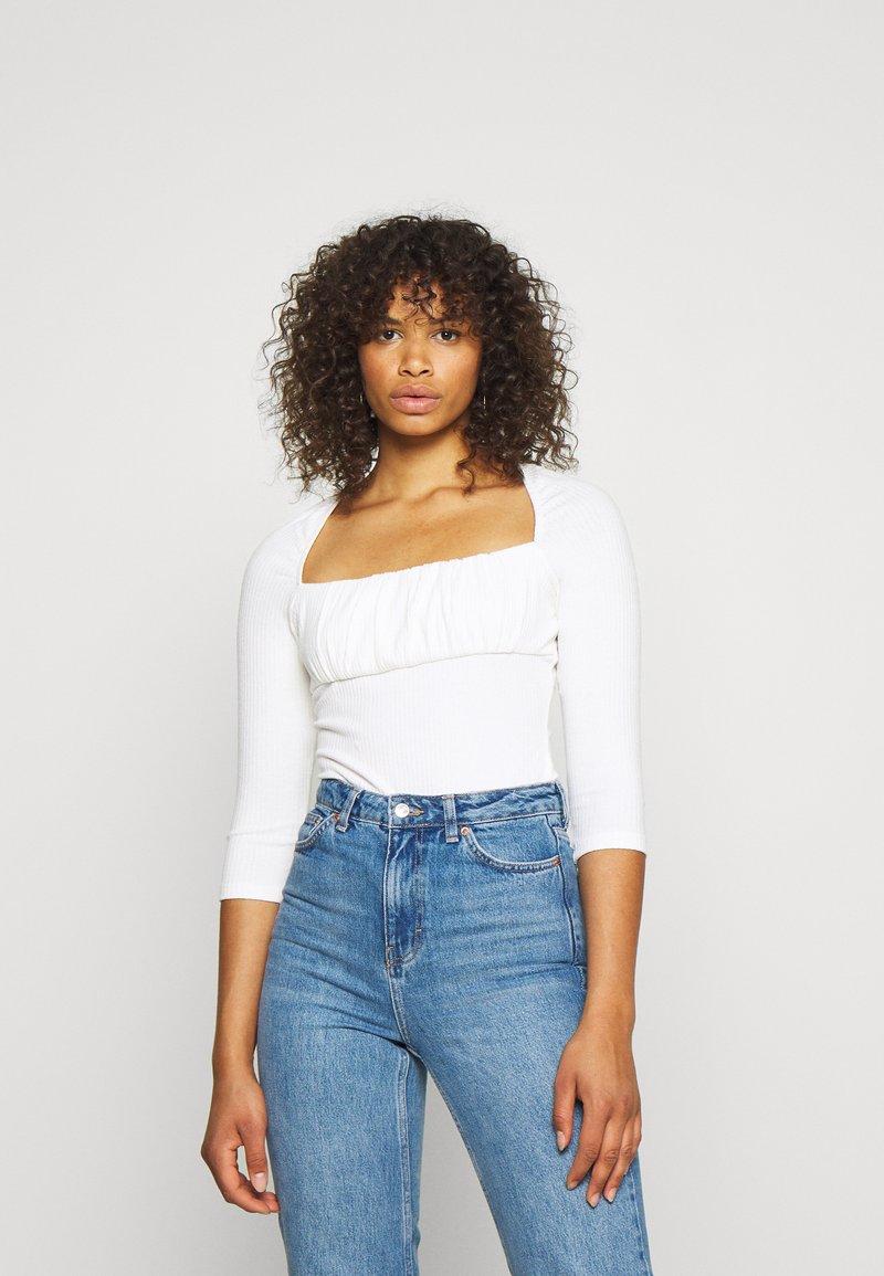Glamorous Tall - RUCHEL PANEL LONG SLEEVE - Long sleeved top - off-white