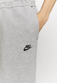 Nike Sportswear - Short - grey heather - 4