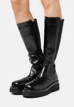 PINNACLE - Platform boots - black