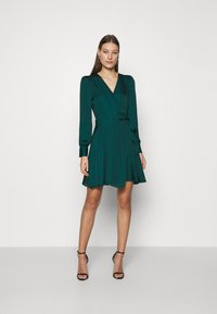 Banana Republic - VNECK WRAP SOLID - Cocktail dress / Party dress - glen green - 1