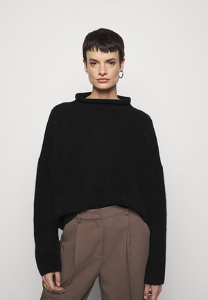 MIKA FUNNEL NECK - Strickpullover - black