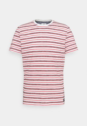 STRIPED - T-shirt med print - powerful red