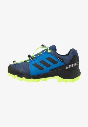 TERREX GORETEX HIKING SHOES UNISEX - Hiking shoes - core black/solar red