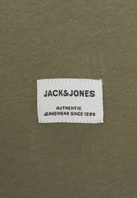 Jack & Jones - JJENOA TEE CREW NECK 5 PACK  - Camiseta básica - crockery/dusty olive - 7