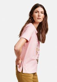 Gerry Weber - 1/2 ARM - Print T-shirt - rosé - 1