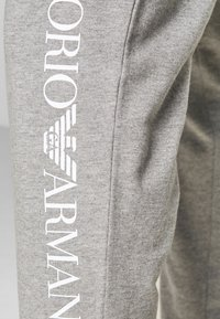 EA7 Emporio Armani - Pantaloni sportivi - grey/white - 4