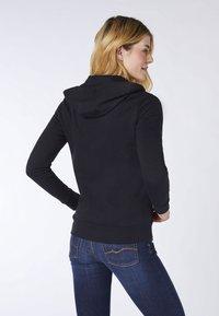 Oklahoma Jeans - REGULAR FIT - Zip-up hoodie - 19-3911 deep black - 2