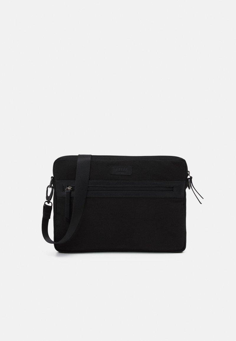 Still Nordic - ZAC MESSENGER UNISEX - Across body bag - black