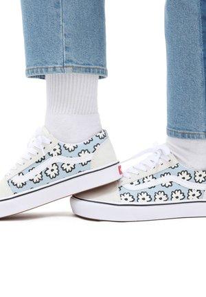 UA COMFYCUSH OLD SKOOL - Sneakersy niskie - mixed cozy/mrshmlwpastel