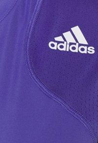 adidas Performance - CLUB TEE - T-shirt imprimé - purple/white - 2