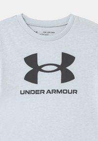 Under Armour - Print T-shirt - halo gray light heather - 2