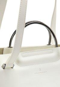 DreiMaster - Handbag - white - 4
