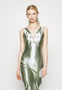 WAL G. - LIBBY V NECK MIDI DRESS - Cocktail dress / Party dress - mint green - 3