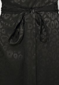 Never Fully Dressed - LEOPARD LONGSLEEVE WRAP DRESS - Cocktailjurk - black - 2