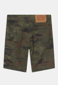 Levi's® - STRAIGHT FIT SUMMER TRAIL - Shorts - khaki - 1