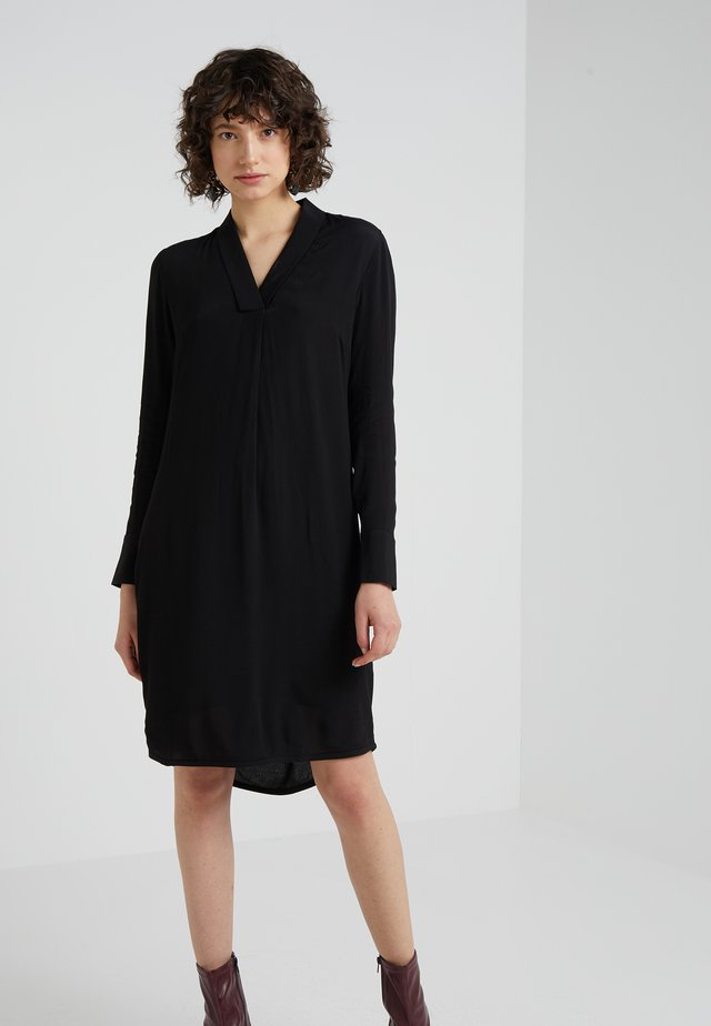 LIVA JENNIFER DRESS - Sukienka letnia - black