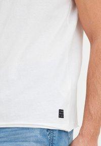 Blend - T-shirt - bas - bright white - 2