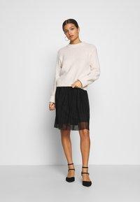 Even&Odd Petite - A-snit nederdel/ A-formede nederdele - black/black - 1