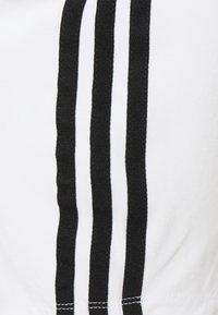 adidas Originals - ADICOLOR FITTED - Top - white - 2